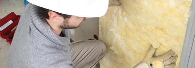 fitting wall insulation